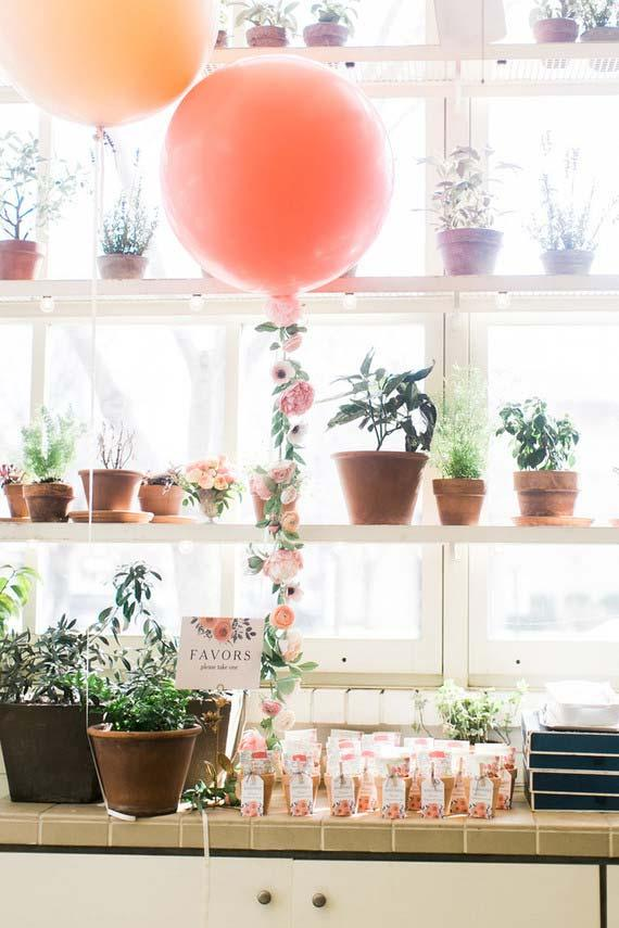 Wedding at home: the vases of the house