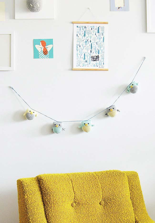 Clothesline for decorating the wall