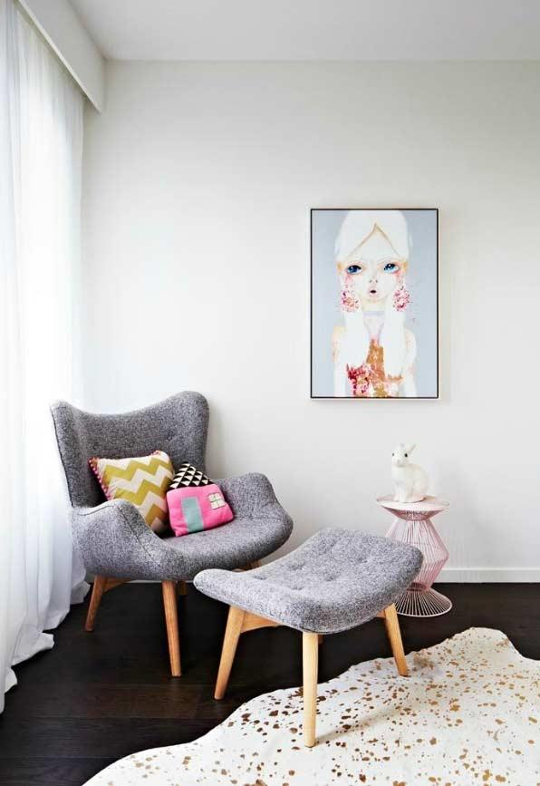 Mini egg armchair with puff
