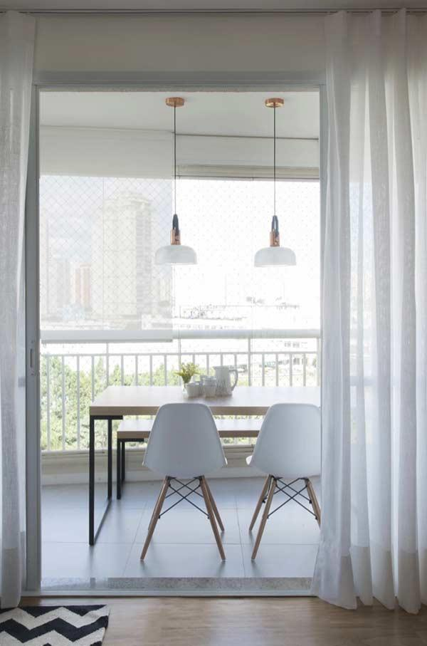 The voile fabric is ideal for integrated environments