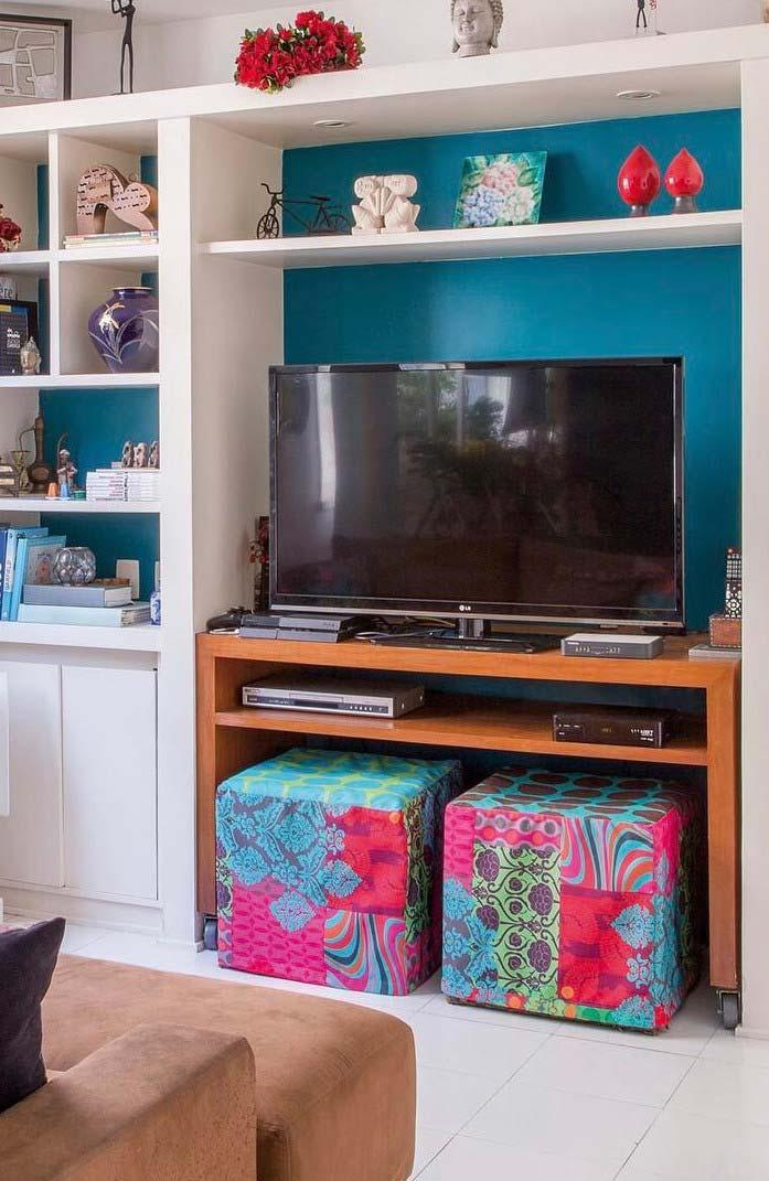 table has gained a new use and now serves to support TV
