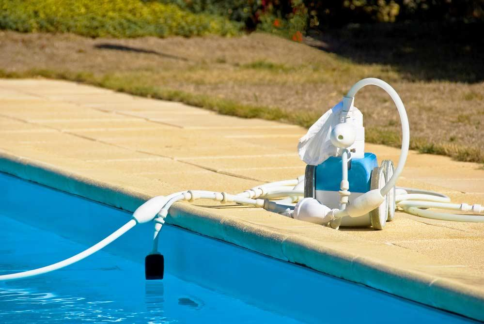 How to clean pool: step-by-step with tips and periodicity 2