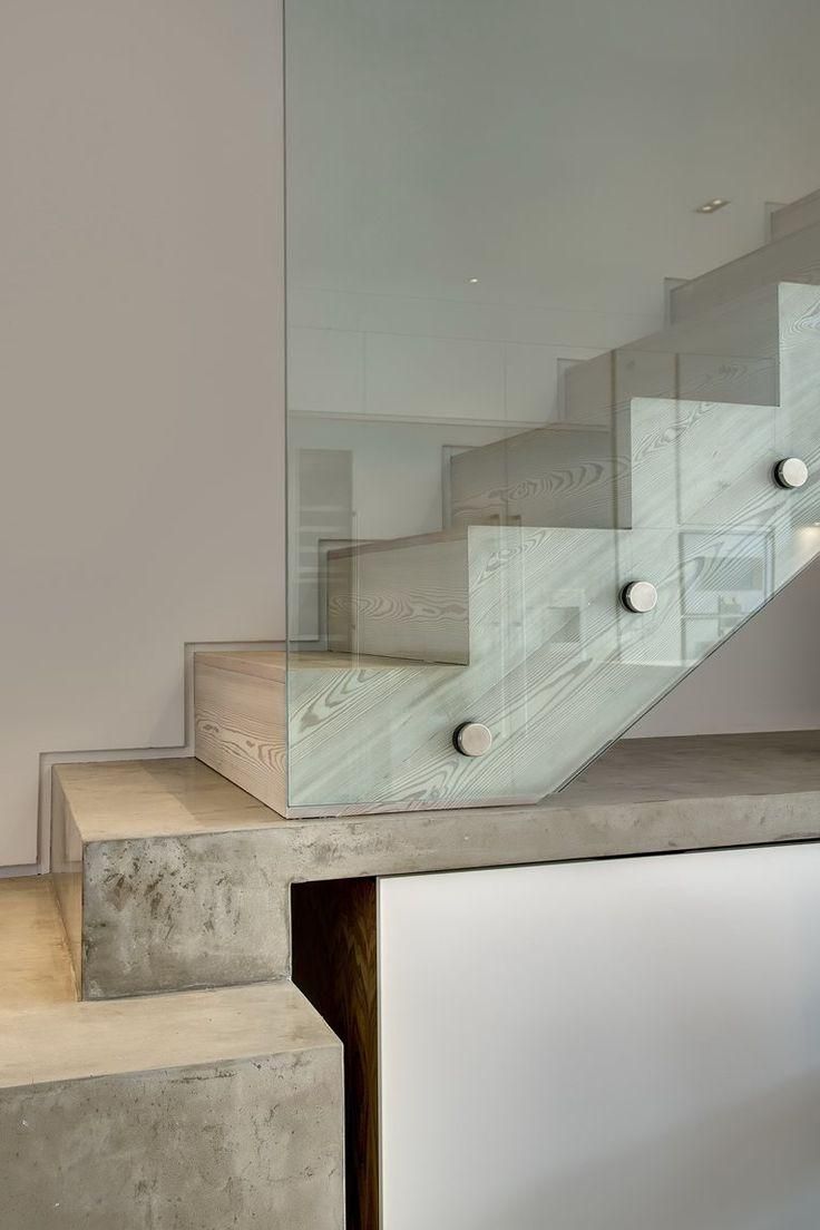 Concrete ladder with finish