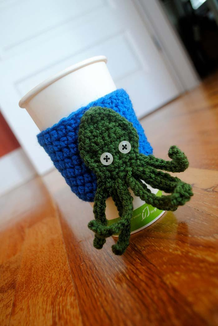Make an octopus cup protector