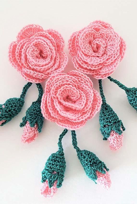 Pink and rose button made in crochet