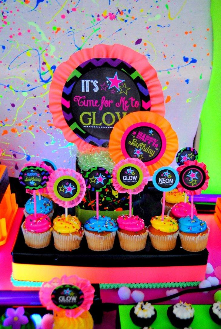 Festa Neon: 60 decorating ideas and photos of theme 4
