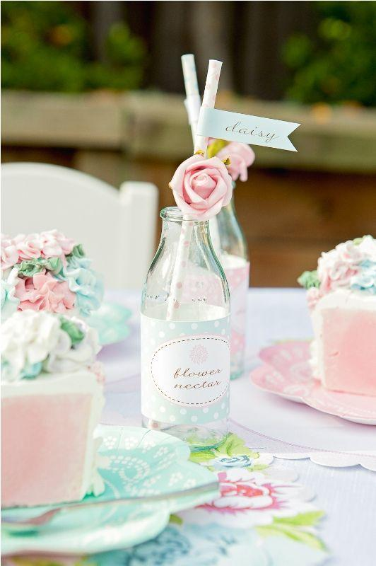 Table Top with Bottle: See Beautiful Ideas to Decorate the Table 28