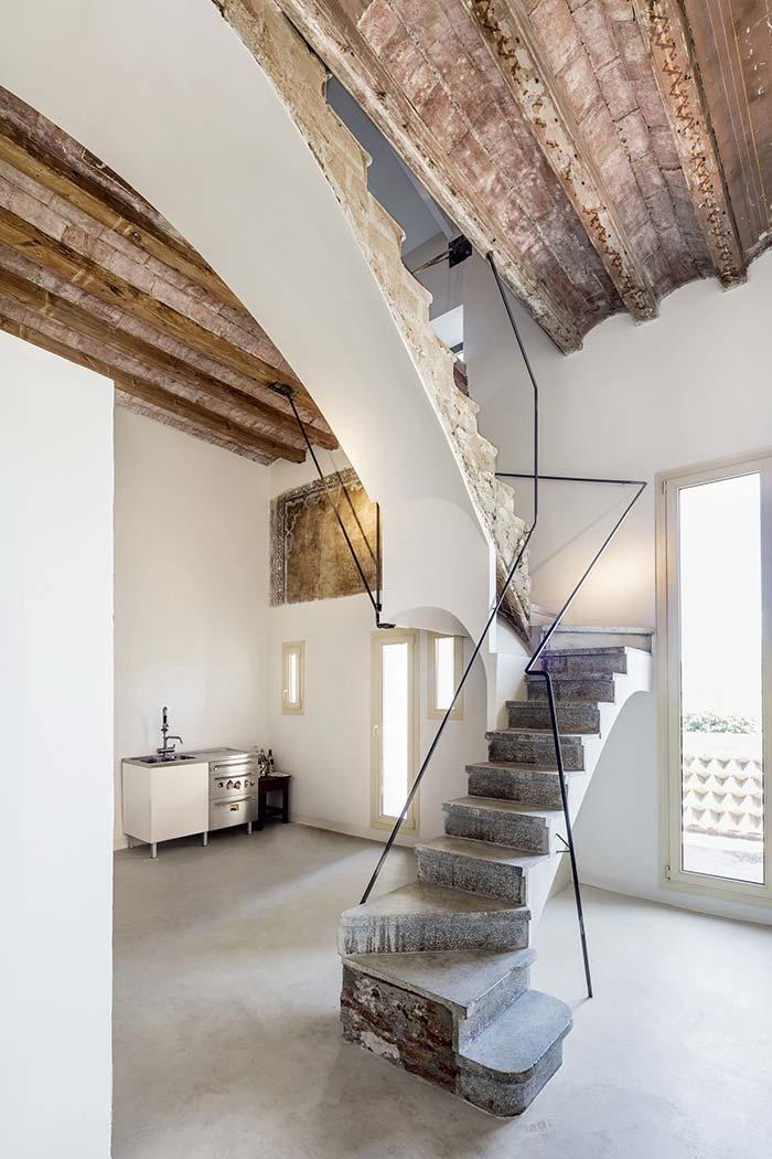 Concrete ladder to impress who looks