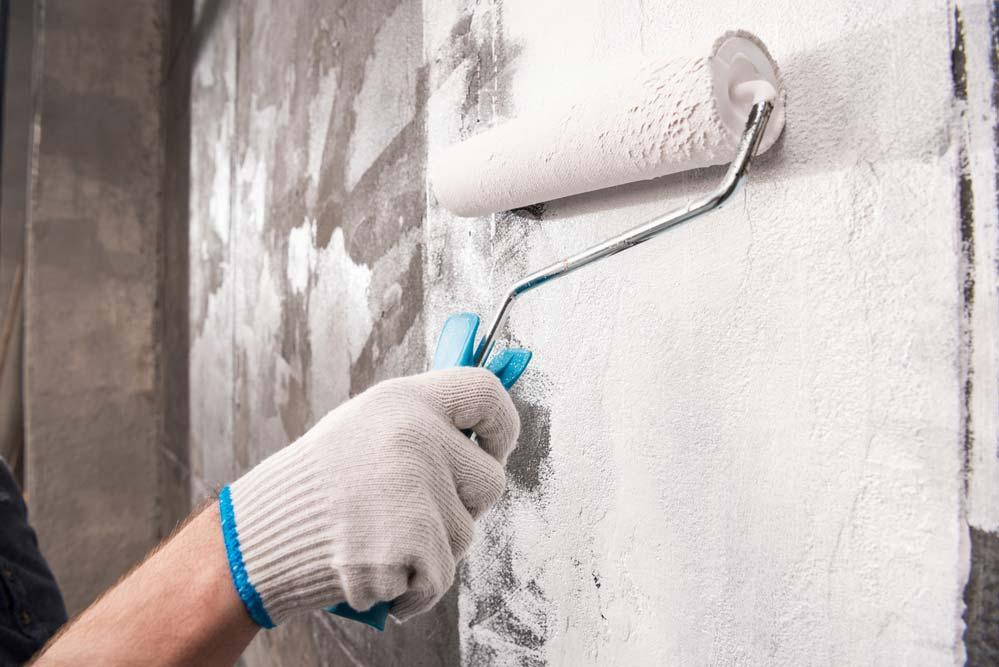 How to remove moisture from the wall: remove the coating