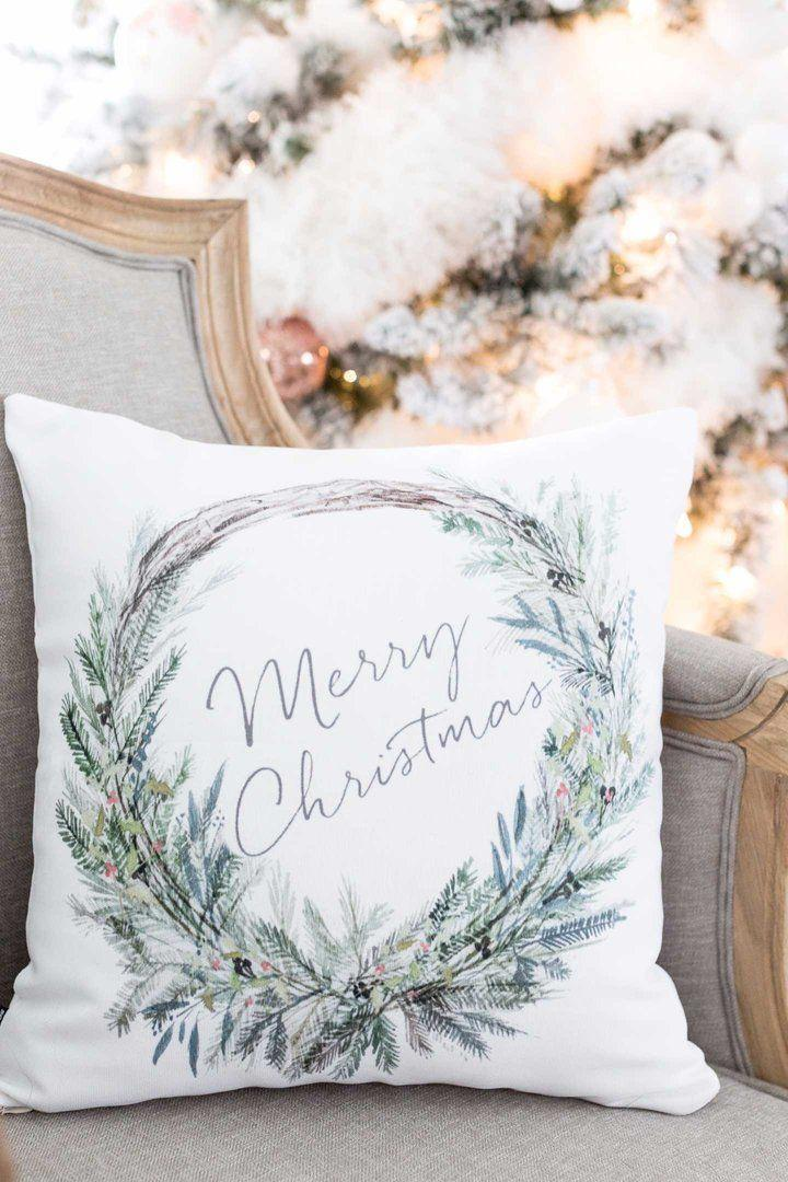 Christmas Cushions: 60 Decorating Ideas and How to Make 40