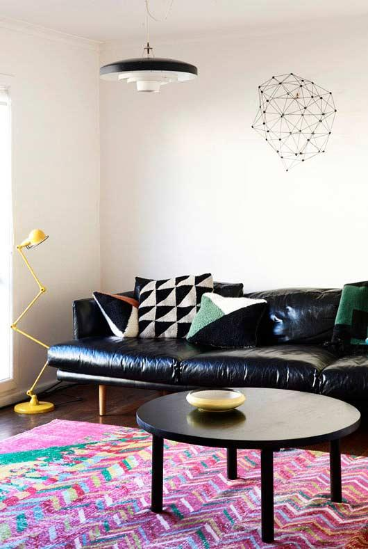 Geometric pattern for the cushions
