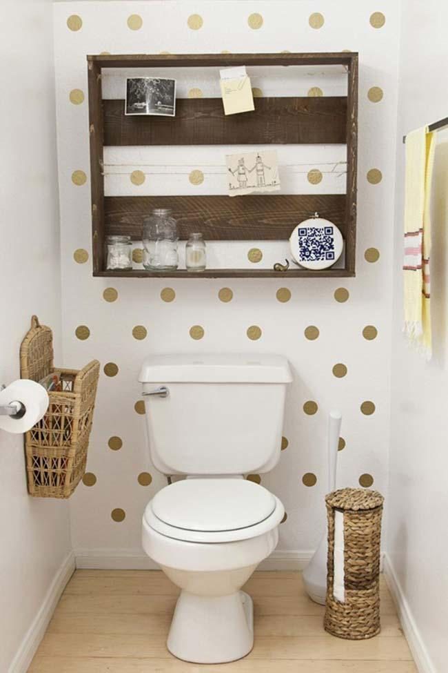 Crafts with pallets in bathroom