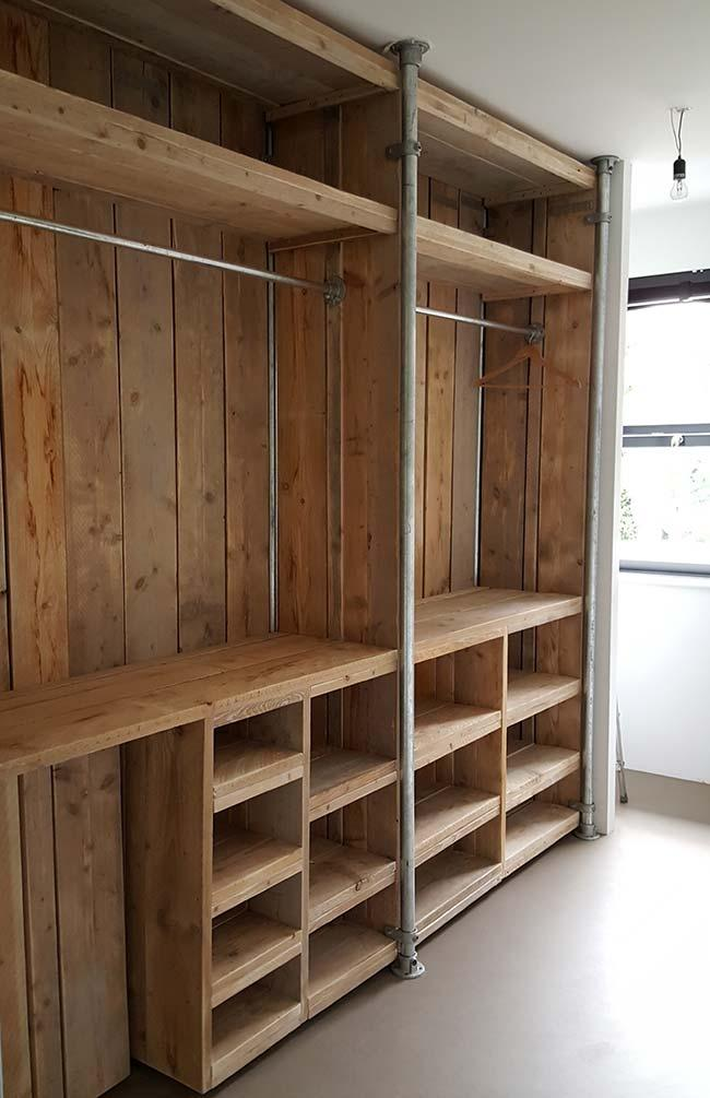 Economy, personality and style: a brand of pallet furniture