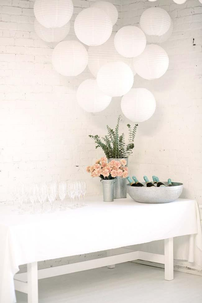 Clean and simple engagement party decoration