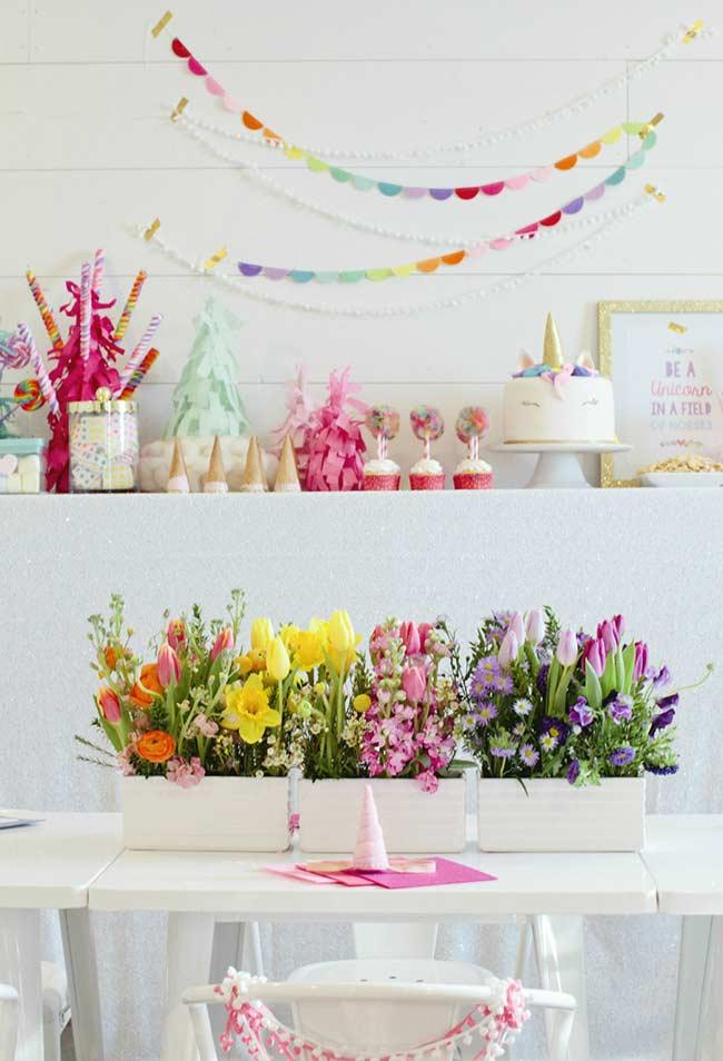 Colorful flowers to tone the party