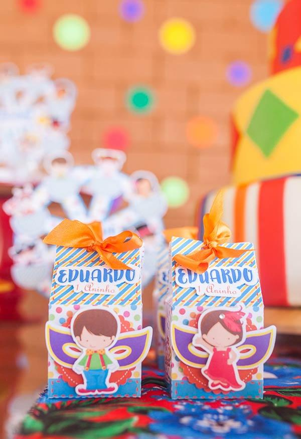 Carnival Decoration: 60 tips and ideas to brighten up your party 35