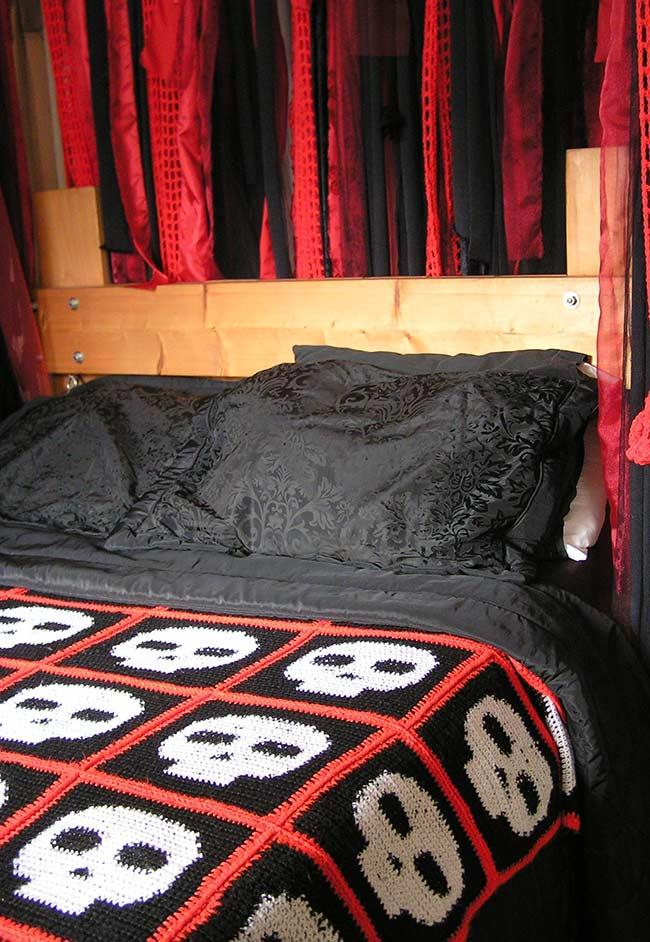 Dark style for the bedroom
