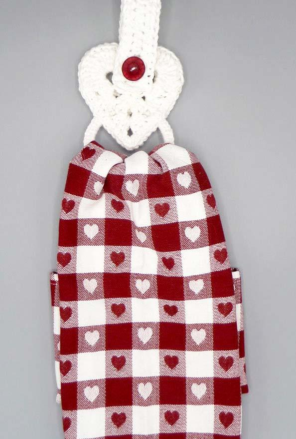 Heart crochet heart plate holder