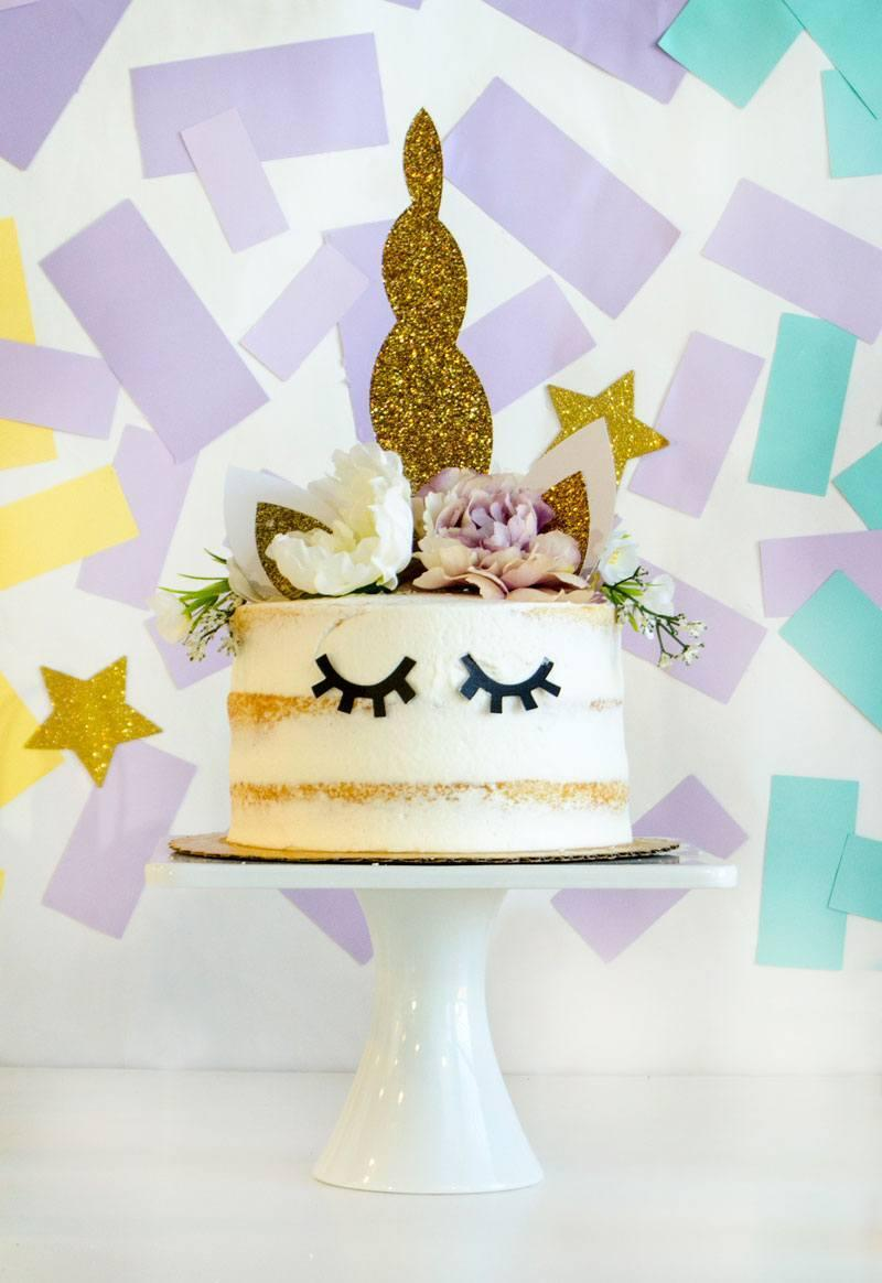 Half naked cake with little eyes