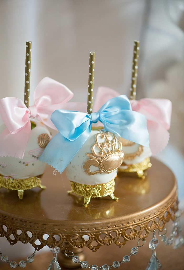 Sweets on the toothpick for princess party