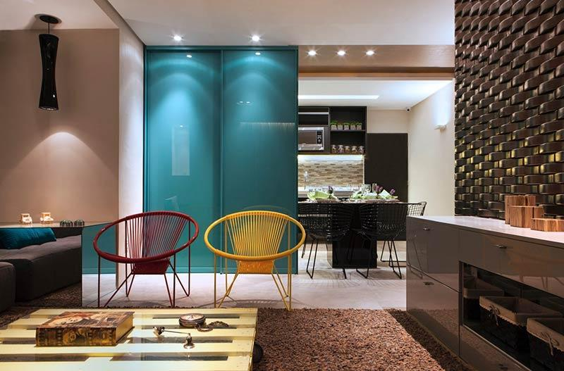 Contrast colors in the decoration