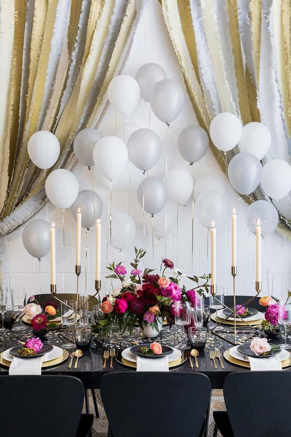 Debutante decoration with chandeliers