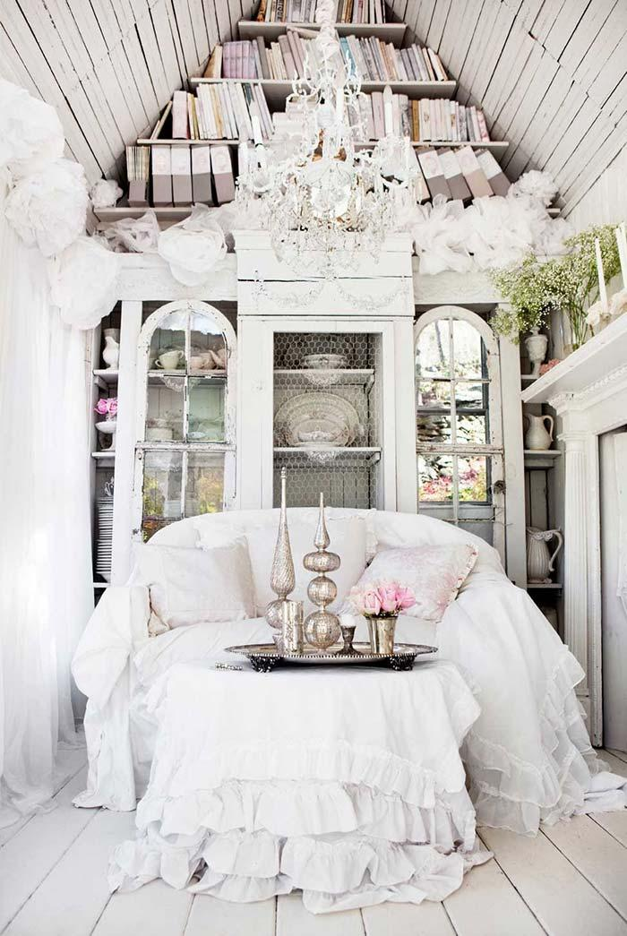 Classic and noble chandelier for Provencal style living room