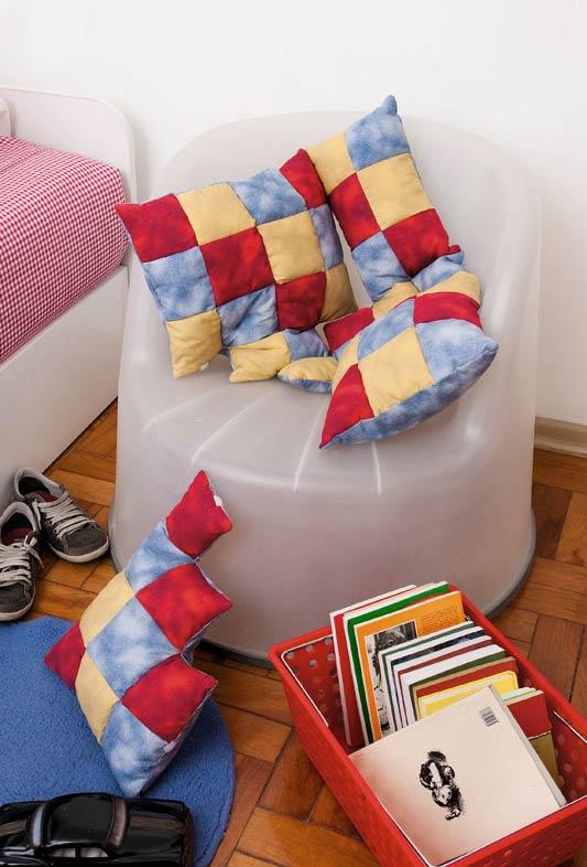 Decorative pillows with patchwork