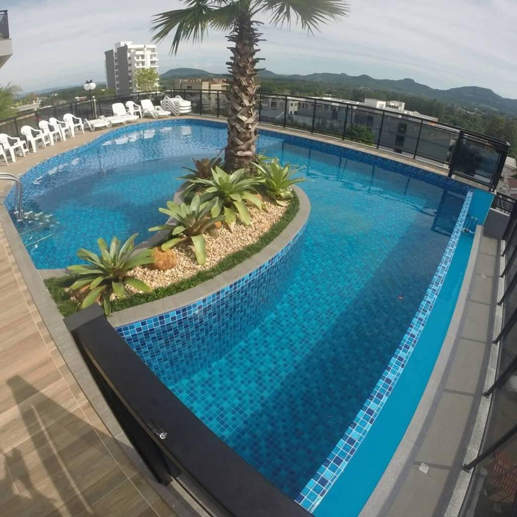 Vinyl Pool: What It Is, Benefits and Photos to Inspire 11