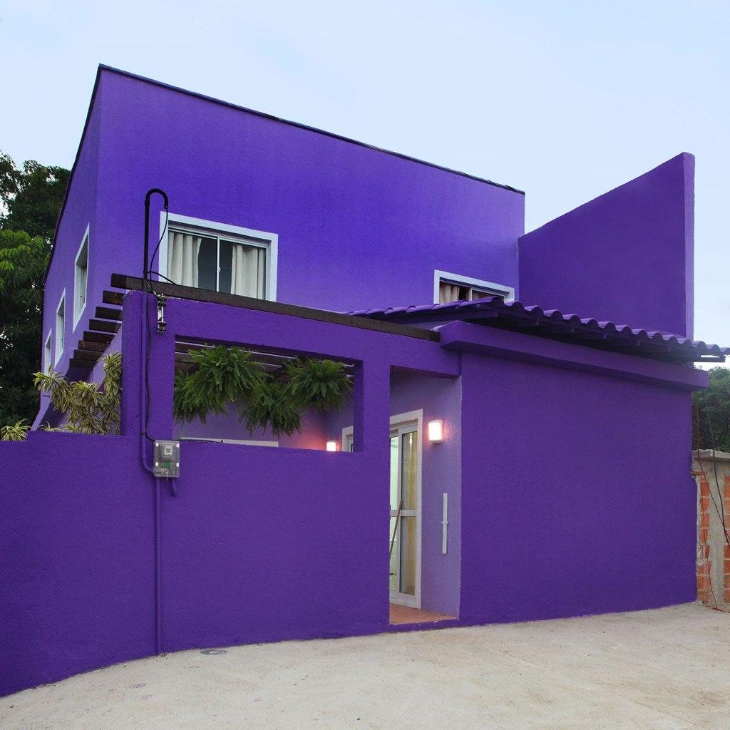 Colors of houses: trends and photos for exterior painting 16
