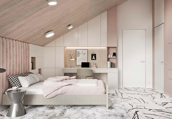 Double bedroom with rose accents