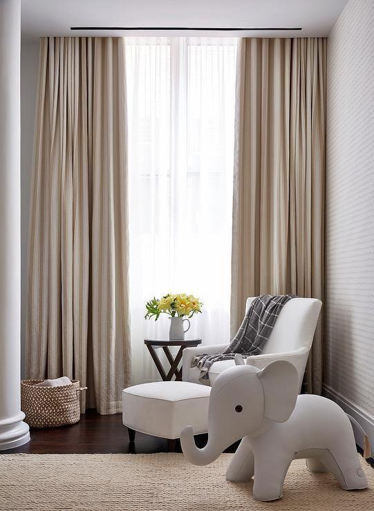 Environment with twill curtain