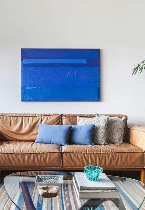 Frame and cushions in the same color