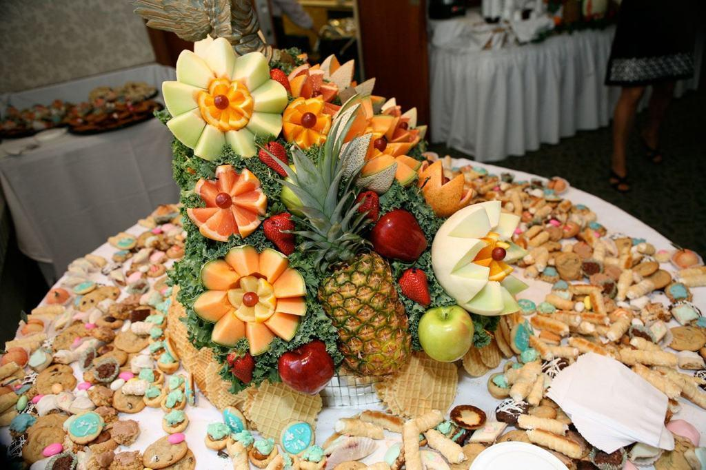 Table-fruit-36