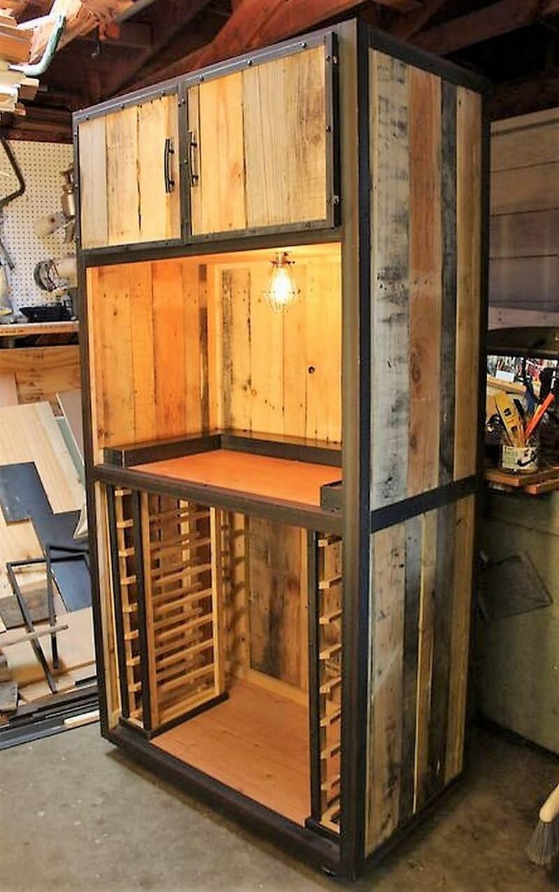 Pallet wardrobe with lamp inside