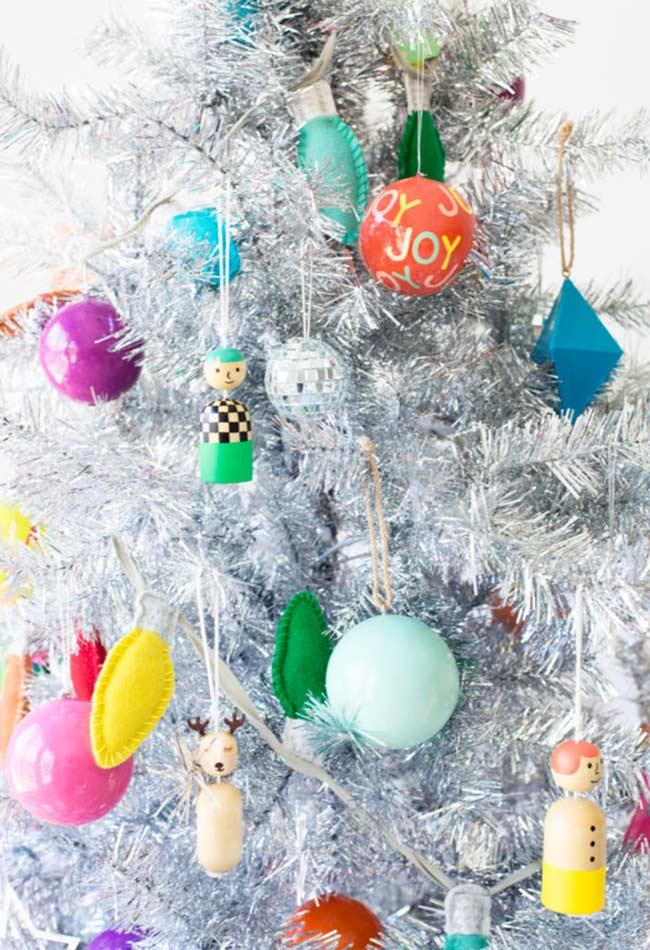 Light tones and various colorful ornaments