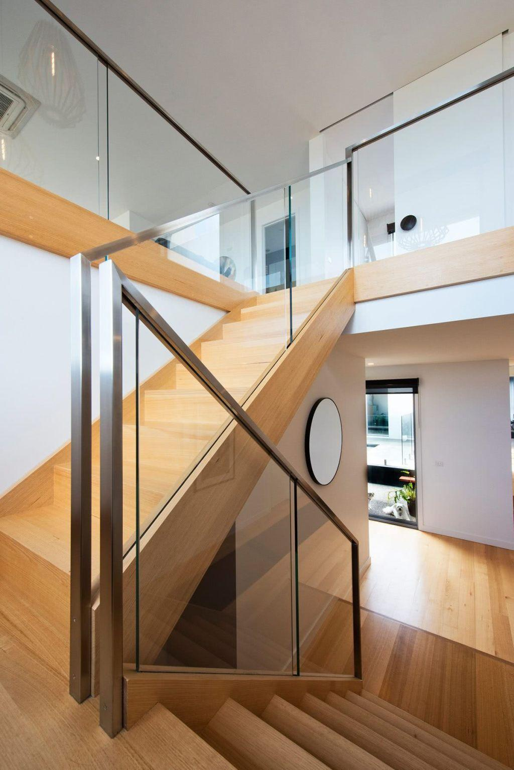 Stainless steel handrail: see tips and 60 models with photos 3