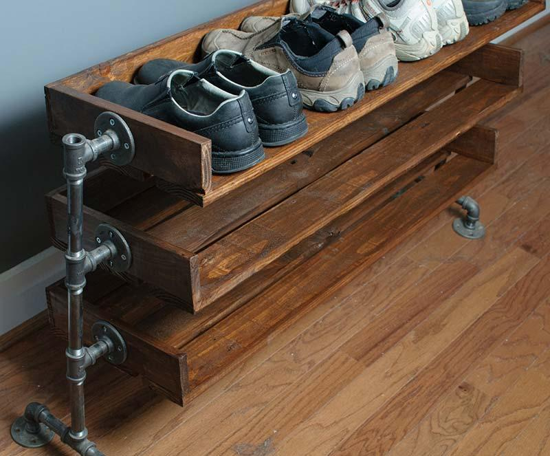 Industrial style in shoe rack with pallets