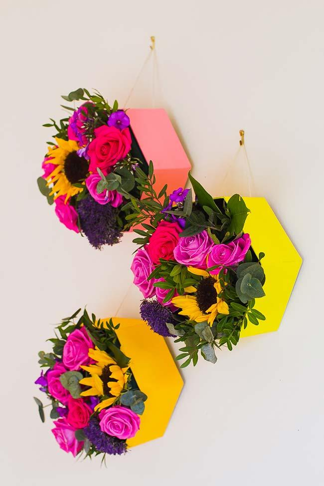 Cardboard box and colorful flowers in do-it-yourself wedding decoration