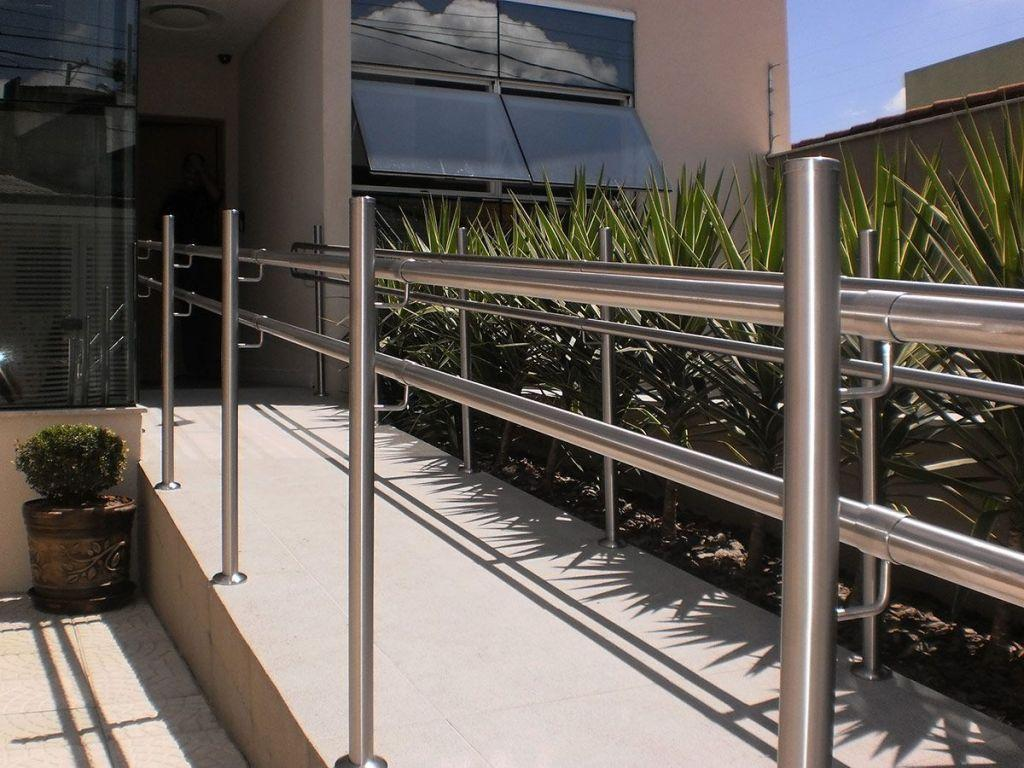 Stainless steel handrail: see tips and 60 models with photos 31