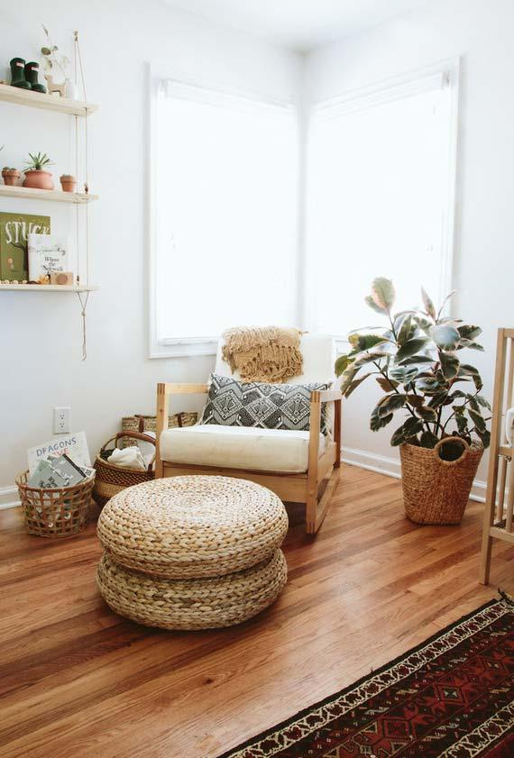 Rocking chair with sisal puff