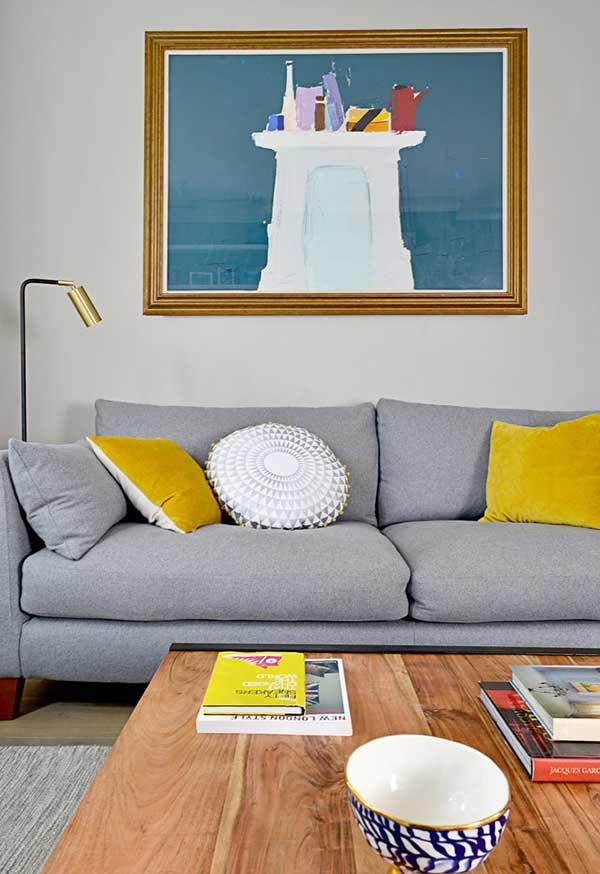 Choose your favorite color on the cushions