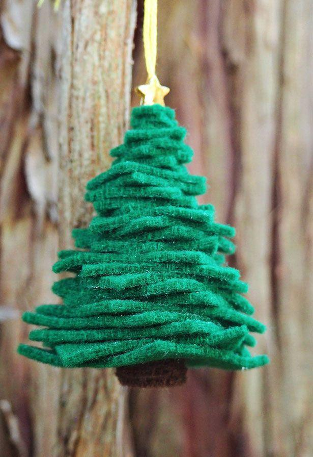 A perfect pine tree with felt squares
