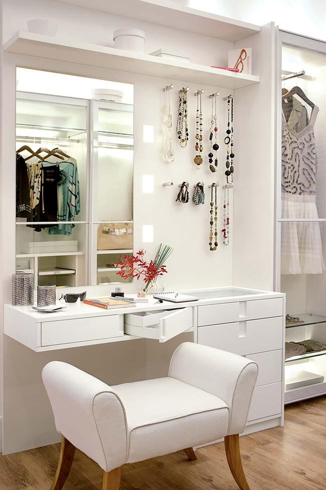 Dressing table in white mdf panel