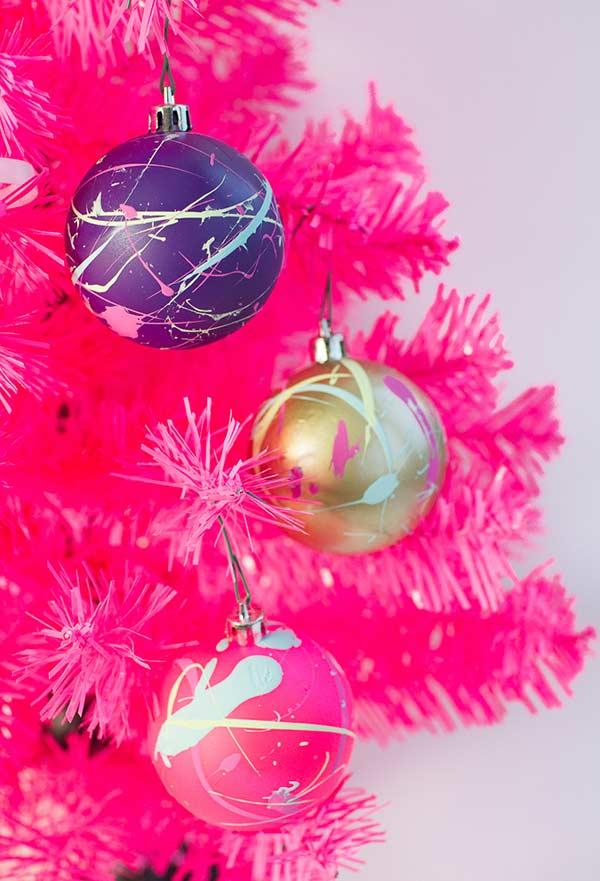 Ink stains to stylize Christmas balls