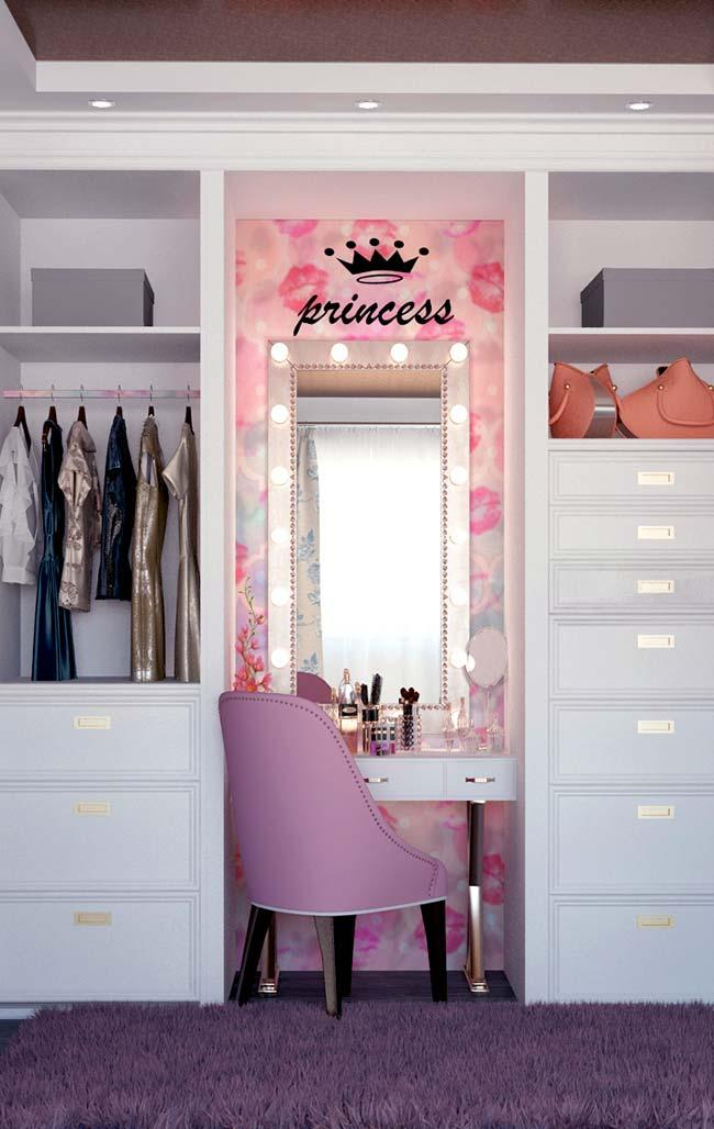 Dressing table dressing table in closet