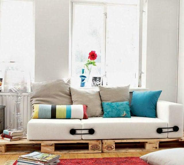 Sofa with pallet with higher pillows