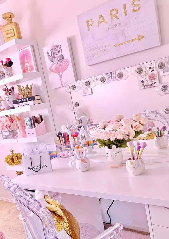 Dressing table full of pampering