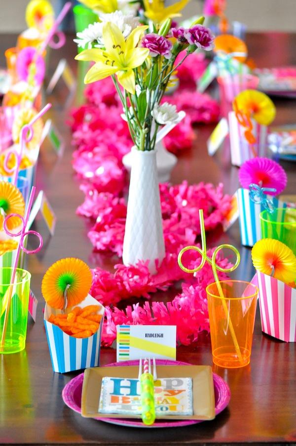 Festa Neon: 60 decorating ideas and theme 1 photos
