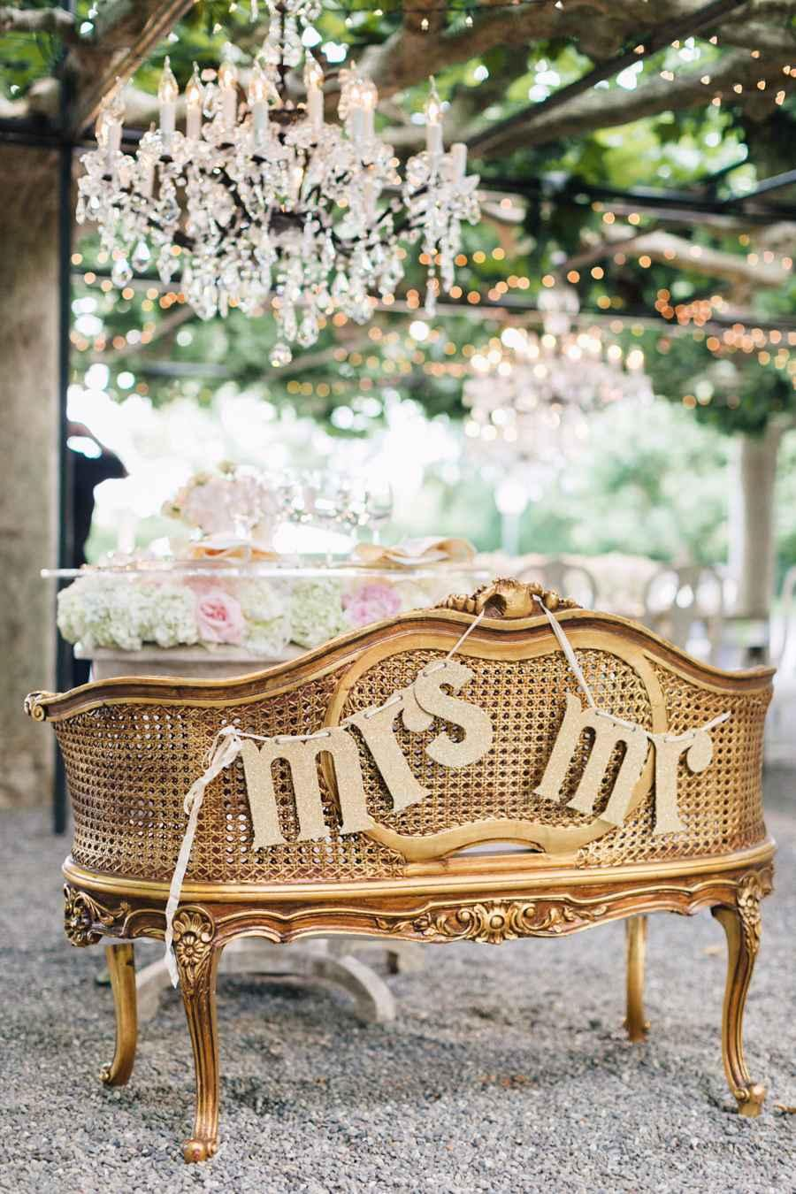 Golden wedding decoration: 60 ideas with photos to inspire 14